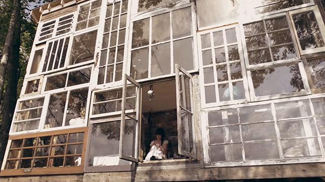 Eco dom z okien